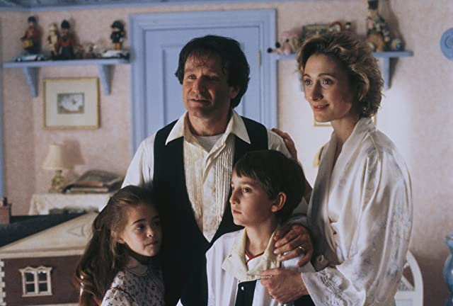 Robin Williams, Charlie Korsmo, Caroline Goodall, and Amber Scott in Hook (1991)