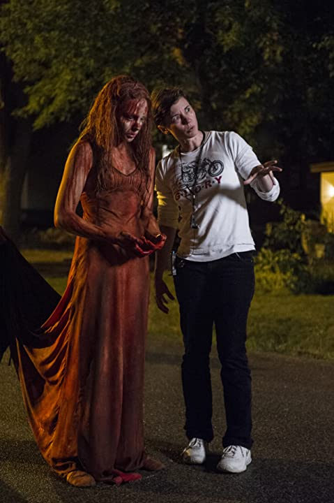 Kimberly Peirce and Chloë Grace Moretz in Carrie (2013)