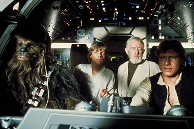 Alec Guinness, Harrison Ford, Mark Hamill, and Peter Mayhew in Star Wars: Episode IV - A New Hope (1977)