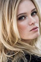 Image of Sara Paxton