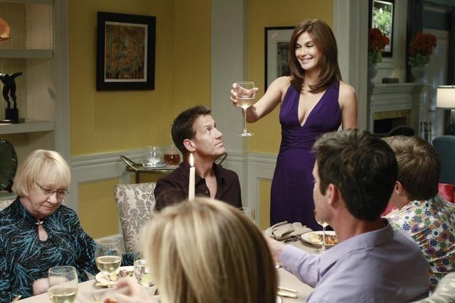 Teri Hatcher, James Denton, Kathryn Joosten, Kevin Rahm, and Tuc Watkins in Desperate Housewives (2004)