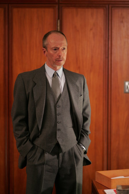 Chris Britton in Da Vinci's Inquest (1998)
