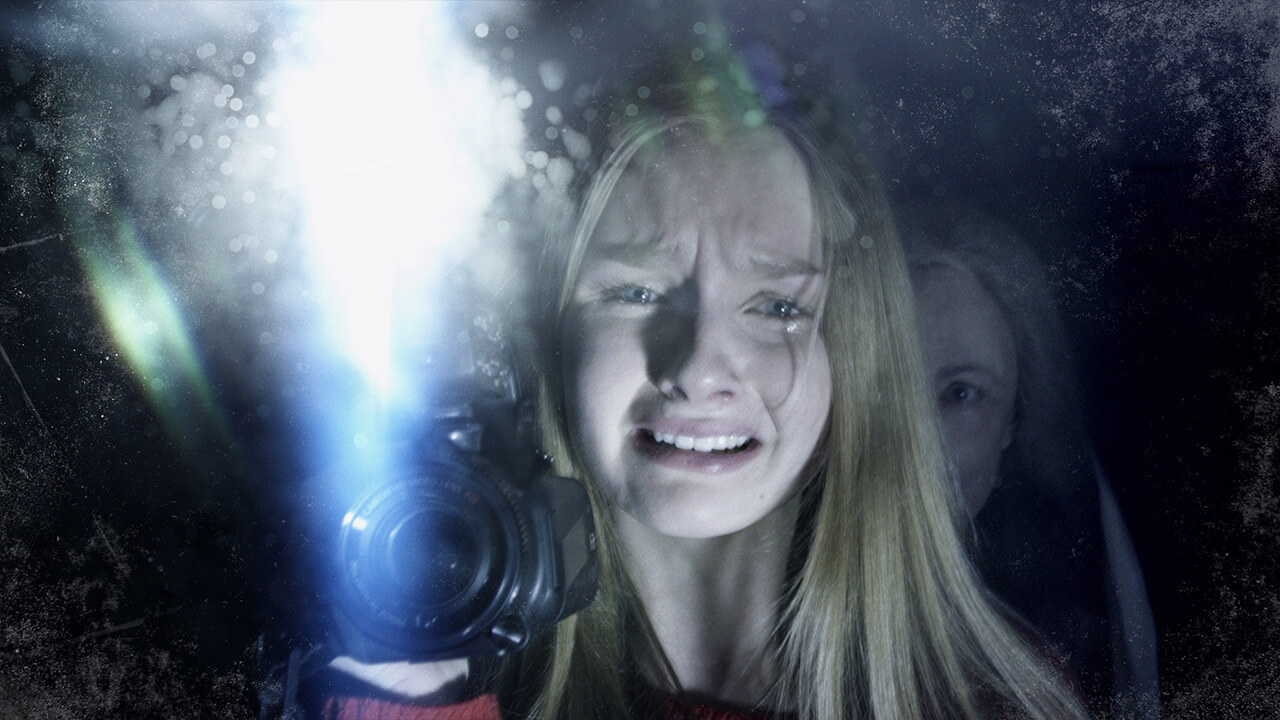 Deanna Dunagan and Olivia DeJonge in The Visit (2015)