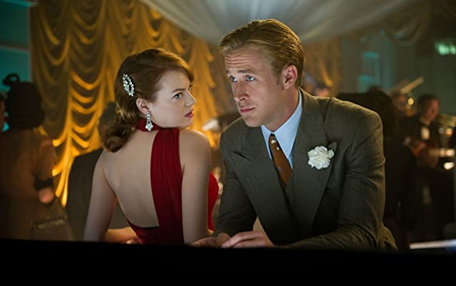 Ryan Gosling and Emma Stone in Gangster Squad (2013)