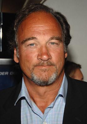 Jim Belushi at Underdog (2007)