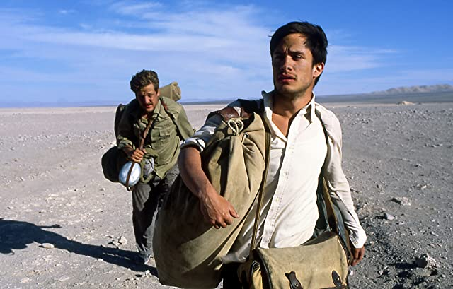 Rodrigo De la Serna and Gael García Bernal in The Motorcycle Diaries (2004)