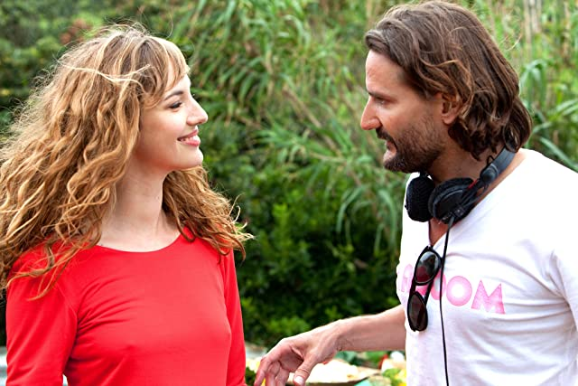 Frédéric Beigbeder and Louise Bourgoin in L'amour dure trois ans (2011)