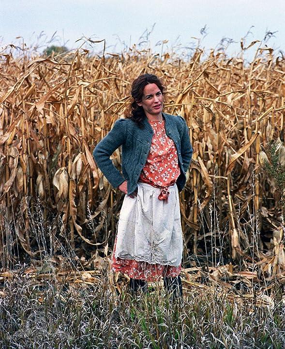 Elizabeth Reaser in Sweet Land (2005)