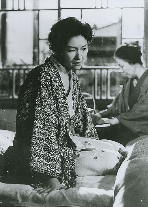 Natsuko Kahara and Hideko Takamine in Onna ga kaidan wo agaru toki (1960)