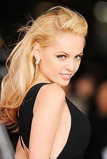 Aktori Yanina Studilina