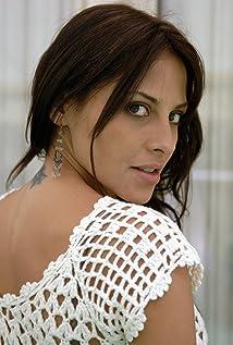 Elizabeth Cervantes Picture
