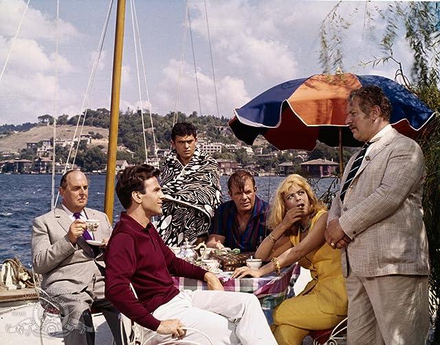 Maximilian Schell, Peter Ustinov, Melina Mercouri, and Robert Morley in Topkapi (1964)