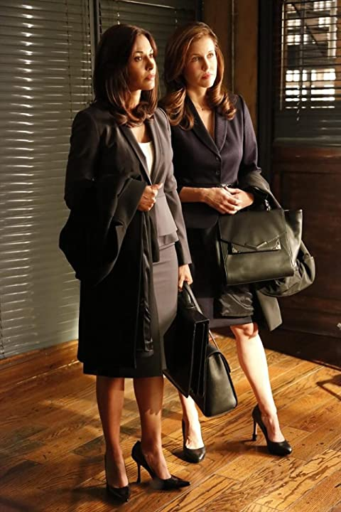 Laurie Fortier and Salli Richardson-Whitfield in Castle (2009)