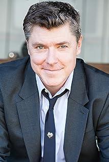 Aktori Chris Cox