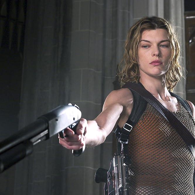 Milla Jovovich in Resident Evil: Apocalypse (2004)