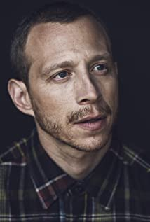Aktori Micah Hauptman