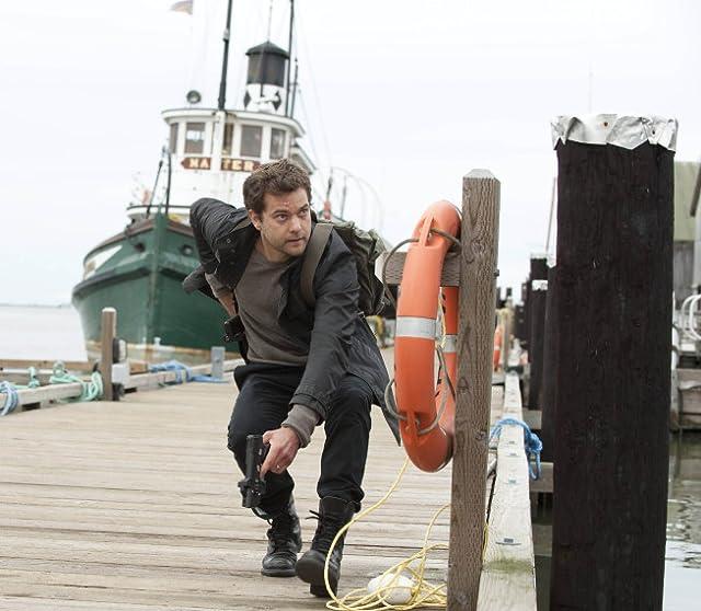 Joshua Jackson in Fringe (2008)