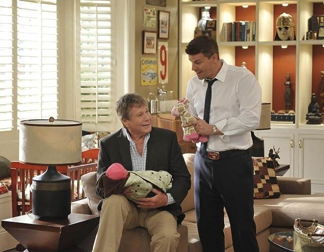 David Boreanaz and Ryan O'Neal in Bones (2005)