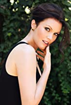 Bellamy Young's primary photo