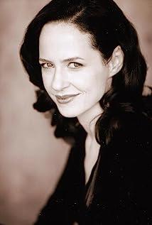 Aktori Anna Galvin