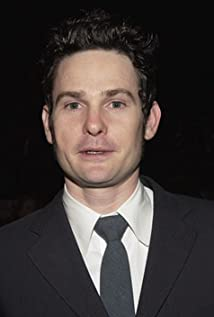 Henry Thomas Picture
