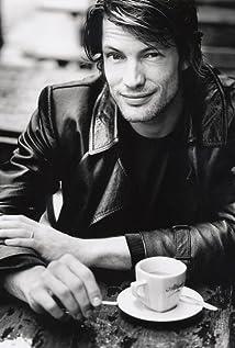 Aktori Mickey Hardt