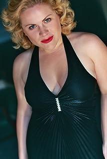 Elizabeth Wenzel Picture