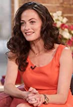 Lara Pulver's primary photo