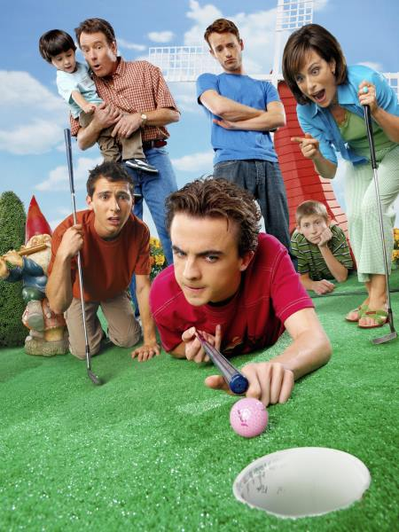Frankie Muniz, Justin Berfield, Bryan Cranston, Jane Kaczmarek, Christopher Masterson, and Erik Per Sullivan in Malcolm in the Middle (2000)