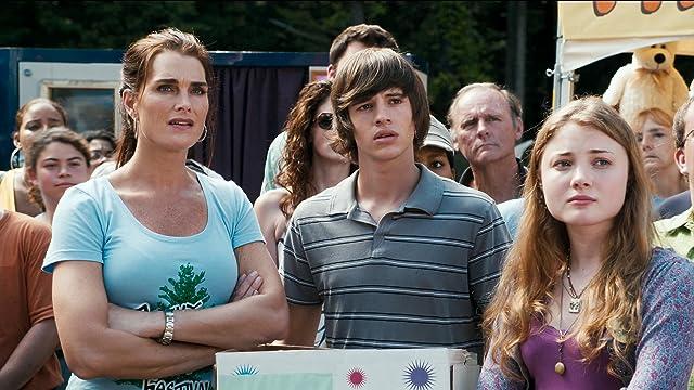 Brooke Shields, Skyler Samuels, and Matt Prokop in Furry Vengeance (2010)