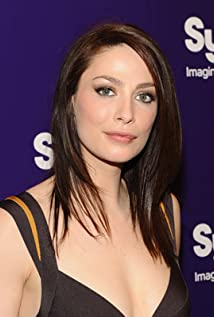Joanne Kelly Picture