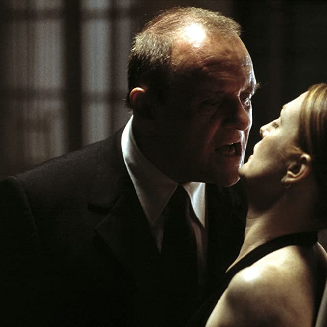 Anthony Hopkins and Julianne Moore in Hannibal (2001)