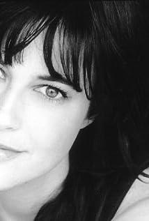 Aktori Fiona Loewi