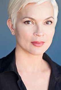 Aktori Elizabeth Gracen