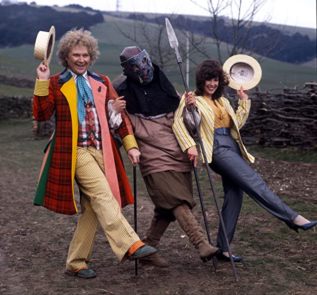 British Actor Colin Baker Who Plays The Doctor In The Bbc Television Series Dr Who. Pictured Here With His Assistant Peri Played By Nicola Bryant And Extras From The Show, 10.04.1986.