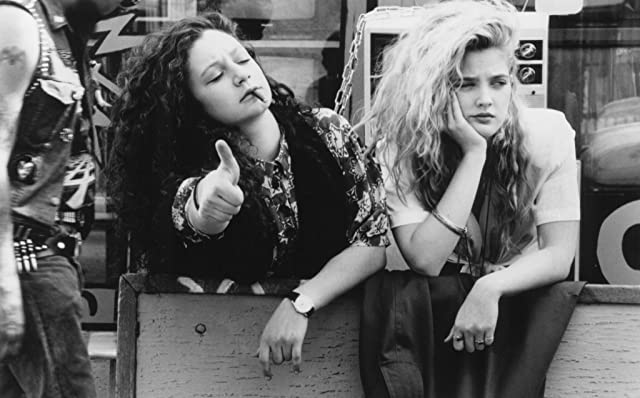 Drew Barrymore and Sara Gilbert in Poison Ivy (1992)