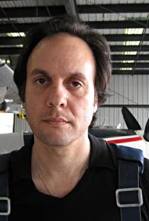Aktori Milo Addica