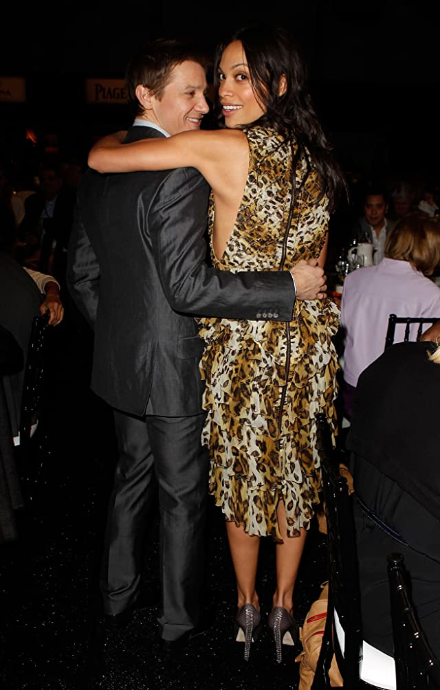 Rosario Dawson and Jeremy Renner