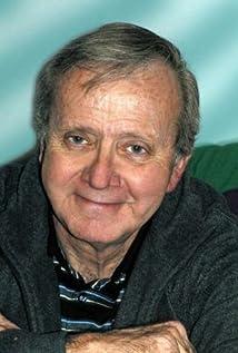 Aktori Tom Tully