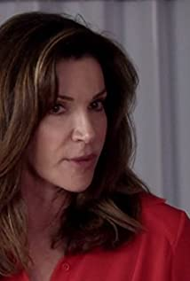 Hilary Farr Picture