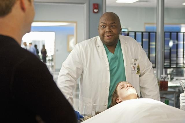 Windell Middlebrooks and Danielle Litak in Body of Proof (2011)