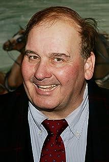 Aktori Ernie Sabella