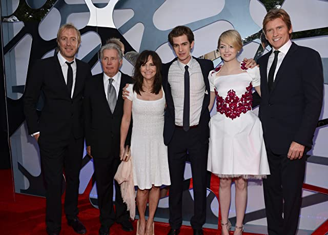 Sally Field, Martin Sheen, Denis Leary, Rhys Ifans, Emma Stone, and Andrew Garfield at The Amazing Spider-Man (2012)
