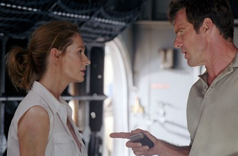 Towns (Dennis Quaid) and Kelly (Miranda Otto) try to make sense out of their dire predicament.