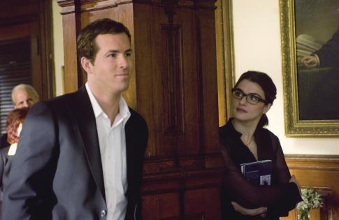 Rachel Weisz and Ryan Reynolds in Definitely, Maybe (2008)