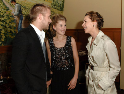 Embeth Davidtz, Ryan Gosling, and Rosamund Pike at an event for Fracture (2007)