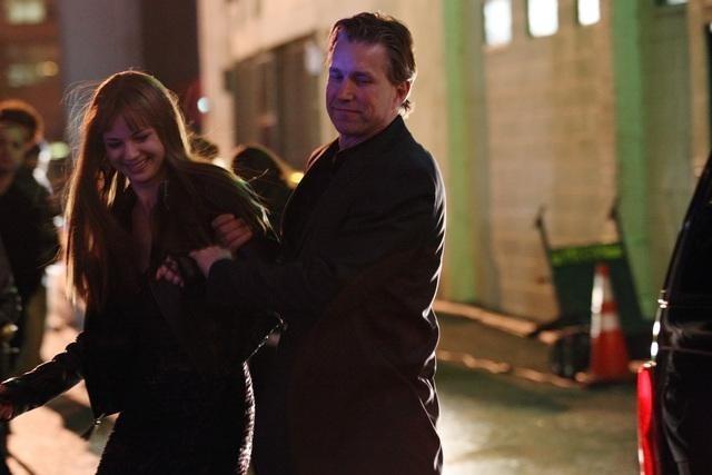 Emily VanCamp and Mark Vanselow in Revenge (2011)