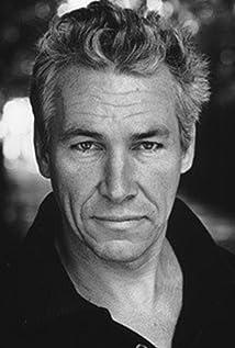 Aktori Simon Dutton
