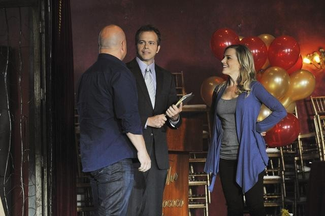 Julie Benz, Michael Chiklis, and Brian Gaskill in No Ordinary Family (2010)