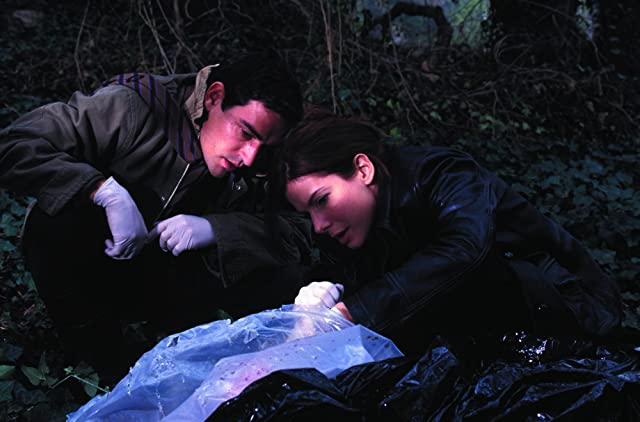 Sandra Bullock and Ben Chaplin in Murder by Numbers (2002)